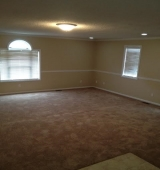 <h5>Very Large Family Room</h5><p>																																		</p>