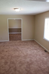 <h5>Large Front Living Room</h5><p></p>